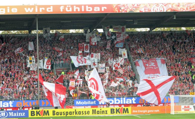 Stadion am Bruchweg - Intro Mainz Fanblock