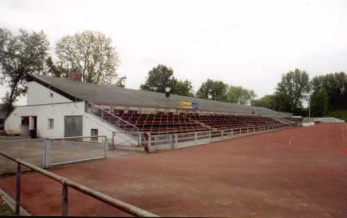 Sportplatz am Riederwald - Tribüne